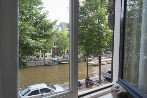 Herengracht Canal Apartment photo 21