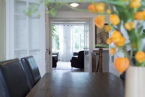 Herengracht Canal Apartment photo 22