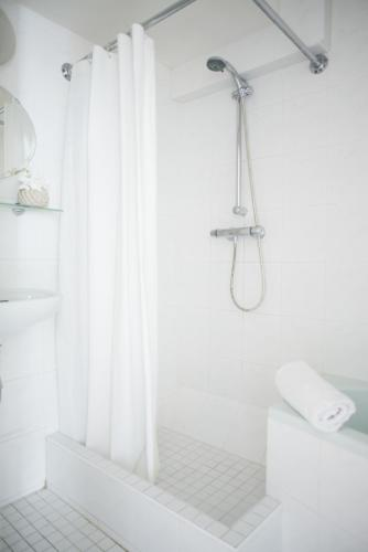 Herengracht Canal Apartment photo 24