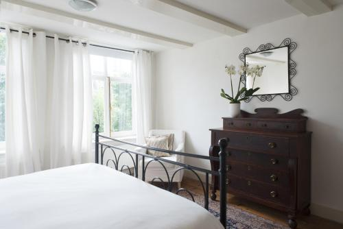 Herengracht Canal Apartment photo 12