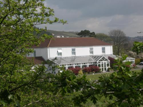 Ashburnham Hotel (with B&B)