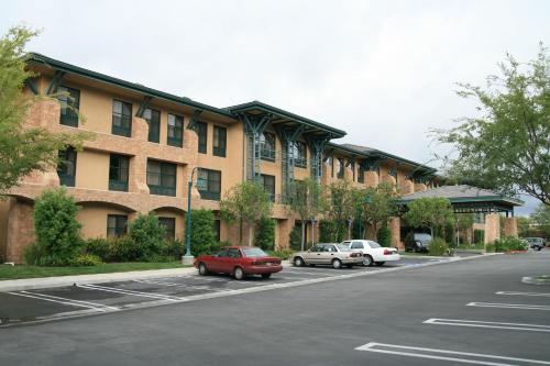 Accommodation in Agoura Hills