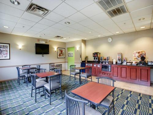Red Carpet Inn Whippany - Cedar Knolls, NJ 07981