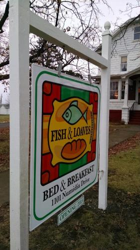 Fish & Loaves Bed And Breakfast - Numidia, PA 17820