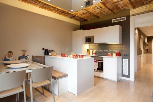 Enjoybcn Miro Apartments photo 16