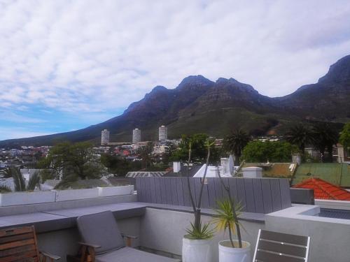 3 Flower Street, Oranjezicht, Cape Town, 8001, South Africa.