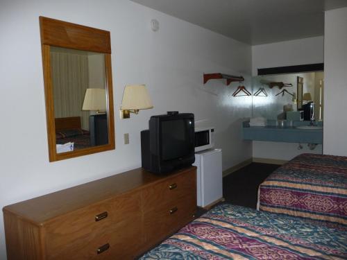 Red Rose Motel - Elizabethtown, PA 17022