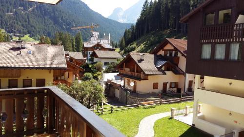 Des Alpestal Canazei
