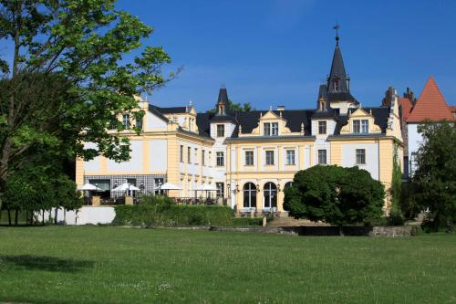 Kasteel-overnachting met je hond in Schloss und Gut Liebenberg - Liebenberg