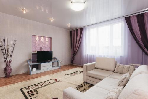 Apartment Domashny Uyut On Malysheva 4B Luxe