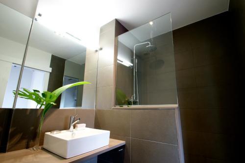Decô Apartments Barcelona-Diagonal photo 7