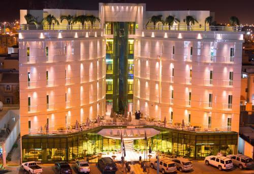 . Aronani Hotel