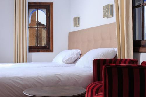 Riad Zaitouna Chaouen Улучшенный номер с кроватью размера