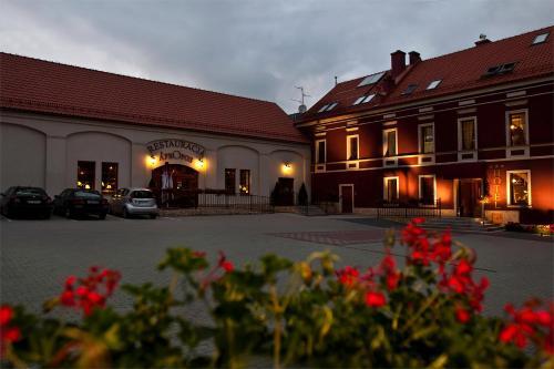 __{offers.Best_flights}__ A' PROPOS Hotel, Restauracja, Club