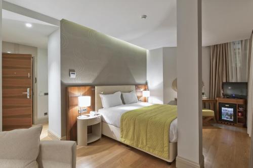 Senator Hotel Taksim Улучшенный одноместный номер