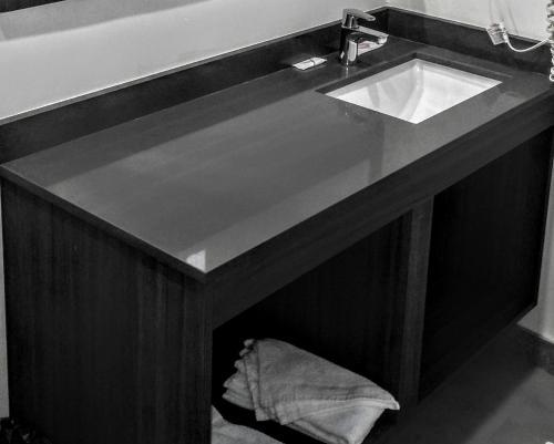 Glen Capri Inn & Suites - Winchester