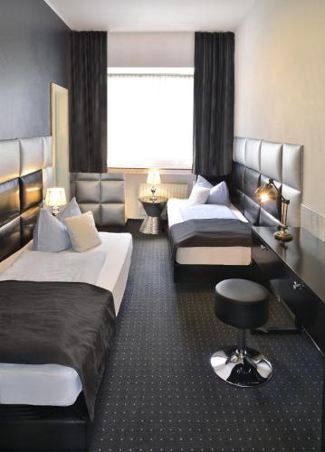 Hotel Am Wehrhahn photo 20