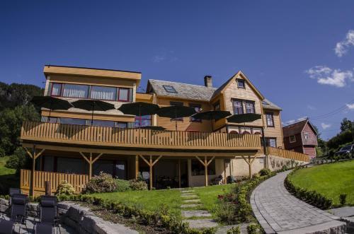. Lavik Fjord Hotel & Apartments