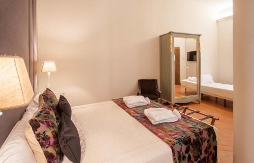 Deluxe Triple Room Palacio Pinello 10