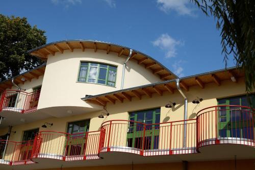 Seminar- und Gästehaus Flussbad Gartenstrasse (B&B)