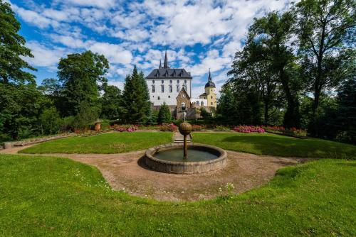 Kasteel-overnachting met je hond in Schloss Purschenstein - Neuhausen