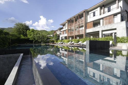 . Veranda High Residence