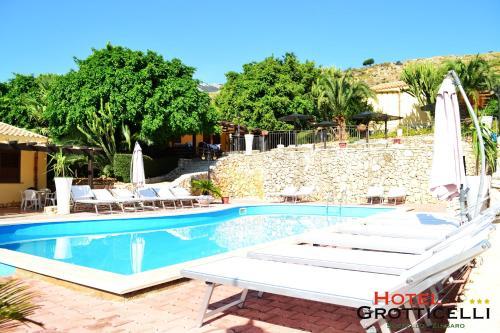 . Hotel Grotticelli