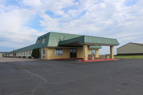 East Grand Inn - East Grand Forks, MN 56721