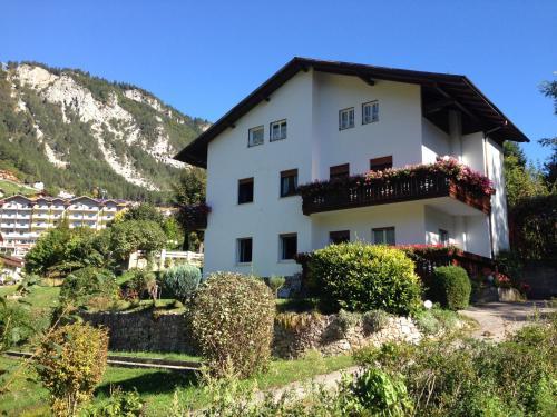 . Villa Ginestra