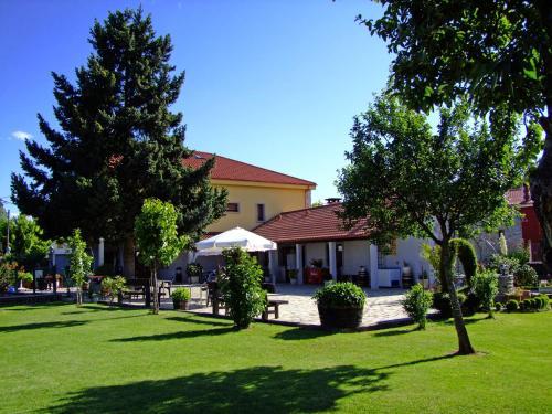 Accommodation in Tojos (Los)