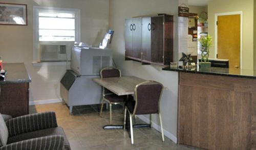 Budget Host Inn Pottstown - Bechtelsville, PA 19545