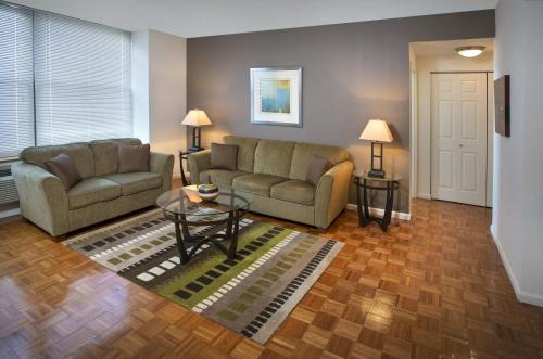 Grove Pointe - A Premier Furnished Apartment - Jersey City, NJ 07302