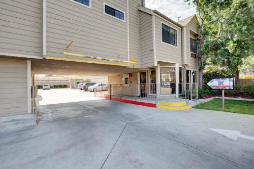 Good Nite Inn Sylmar - Sylmar, CA CA 91342