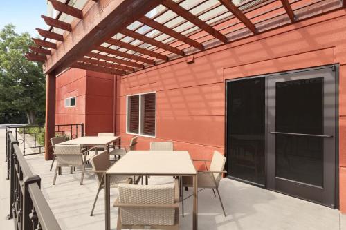 Country Inn & Suites By Radisson Fresno North Ca - Fresno, CA 93710