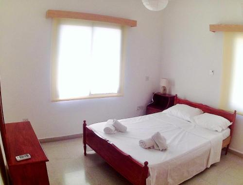 Miris Mediterraneo Apartments - Photo 2 of 25