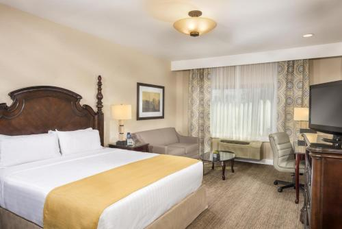 Ayres Suites Ontario at the Mills Mall - Hotel - Ontario