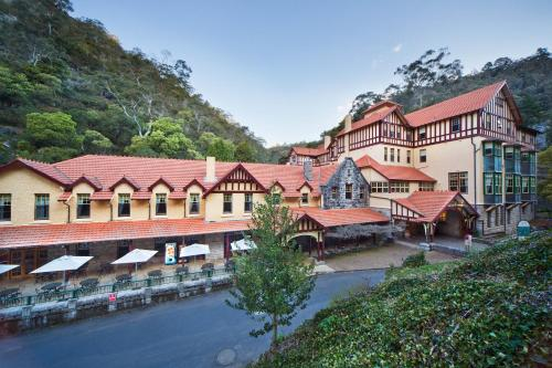 Jenolan Caves House