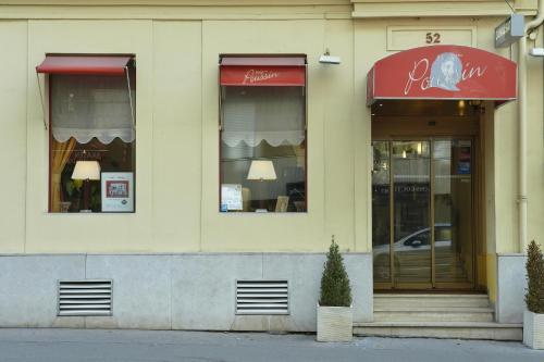 Hôtel Poussin photo 35