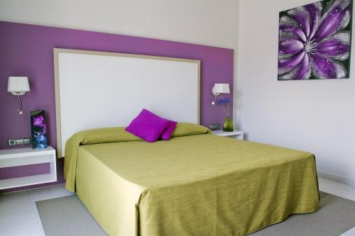 The Purple Hotel - Gay Special