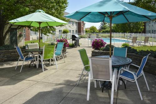 Cresthill Suites Syracuse - Hotel - East Syracuse