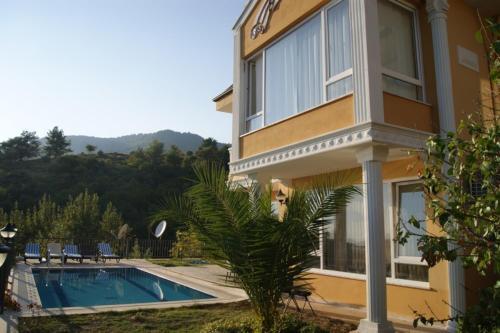 Alanya Dream Holiday Villa 1 tek gece fiyat