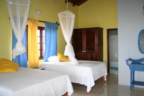 Idlers' Rest Beach Hotel foto della camera