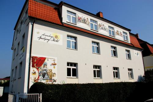 . Spielzeughotel Sonneberg
