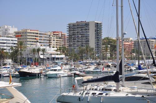 . Apartamentos Mediterraneo