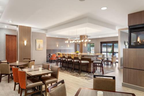 Hampton Inn And Suites Denver-Cherry Creek - Glendale, CO 80246