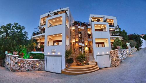 . Panorama Apartments