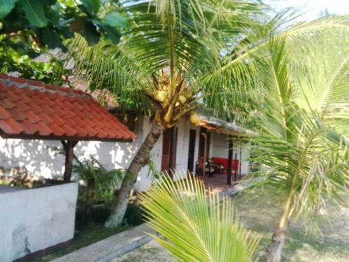 Villa Roca Sambolo Carita, Pandeglang