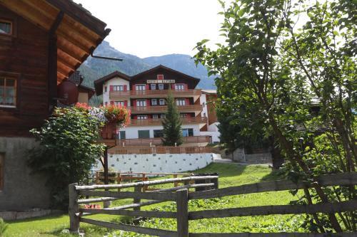 B&B Hotel Alpina - Accommodation - Grächen