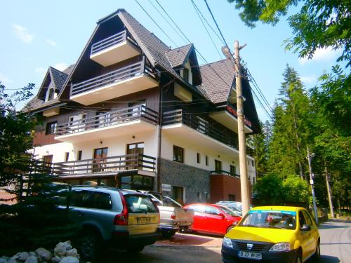 Hotel Silvia Apart Sinaia - Accommodation