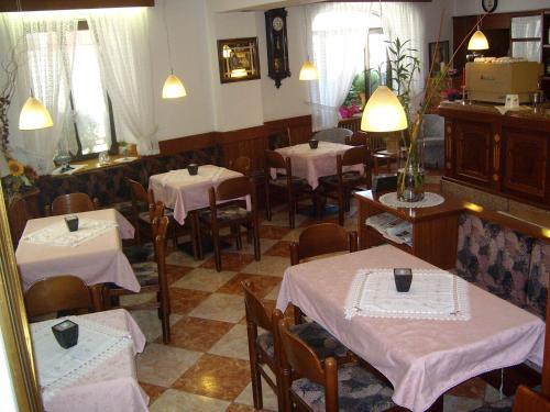 Albergo Antica Rosa - Hotel - Levico Terme